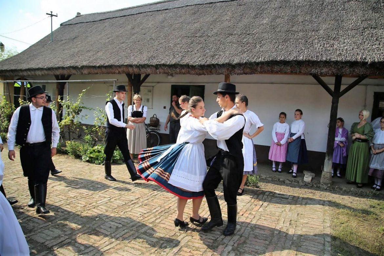 Legendákat, hagyományokat, népi fortélyokat elevenítenek fel a Tájházak Napja programjai